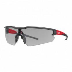 Milwaukee ochranné okuliare proti poškriabaniu - šedé